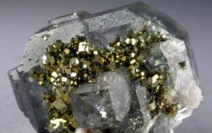 Minerales - Fluorita-cuarzo-y-pirita