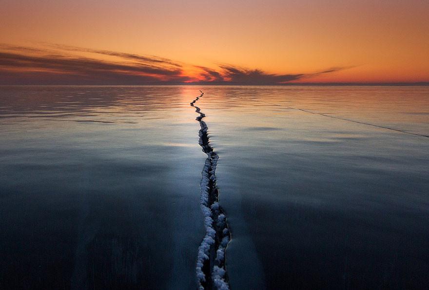 Chasqueando la superficie, Lago Baikal, Rusia/Alexey Tro