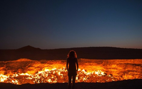 Paisajes terapeuticos - La-Puerta-al-infierno-en-Turkmenistan